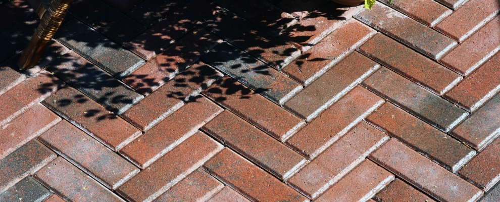 Paving red with shadow